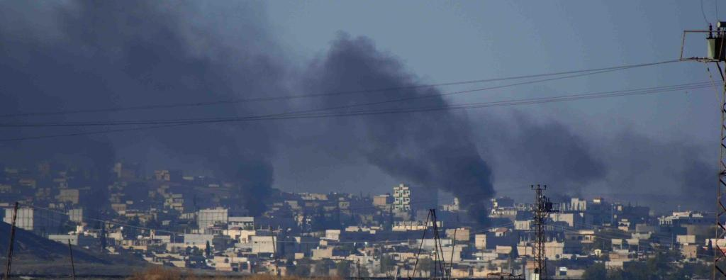 Thick Smoke Over Kobane This Morning As Kurds Push Back Against IS 12.11.14